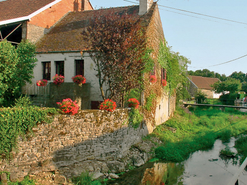 Lozerain 1432296,Vivienda de vacaciones en Semur-en-Auxois, Burgundy, Francia para 2 personas...