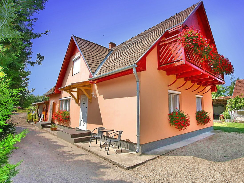 1433372, Apartment in Balatonboglar-Szemes, Balaton Somogy, Hungary for 5 persons...