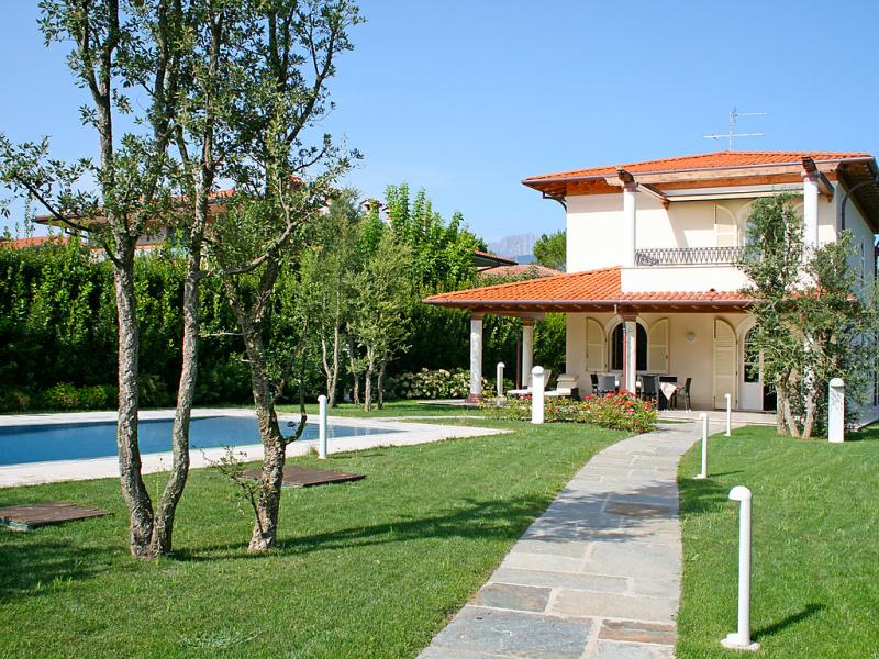 Kathleen  sophie 1435294,Vivienda de vacaciones  con piscina privada en Forte dei Marmi, en Toscana, Italia para 8 personas...