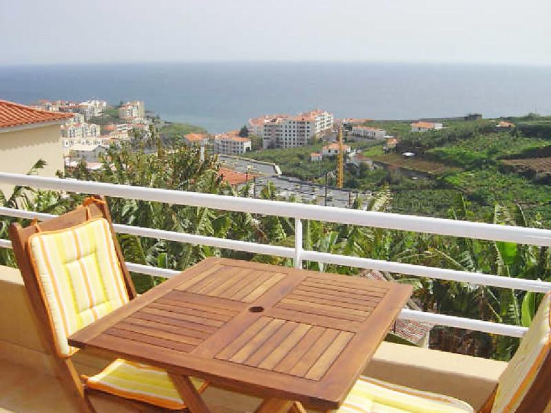 Vista do carmo 1435984,Apartamento en Madeira-Câmara de Lobos, Madeira, Portugal para 5 personas...