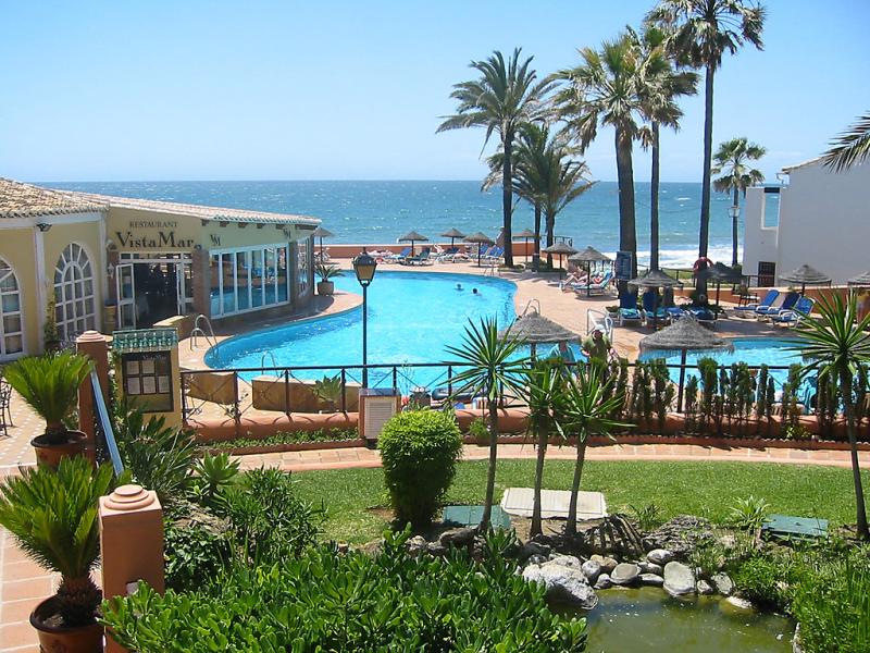 Doa lola 1436013,Apartamento  con piscina privada en Calahonda, en la Costa Calida, España para 6 personas...