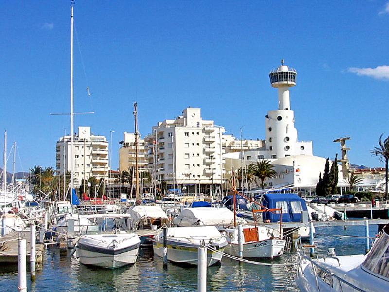 Club nautic 1436500,Appartement in Empuriabrava, aan de Costa Brava, Spanje voor 3 personen...