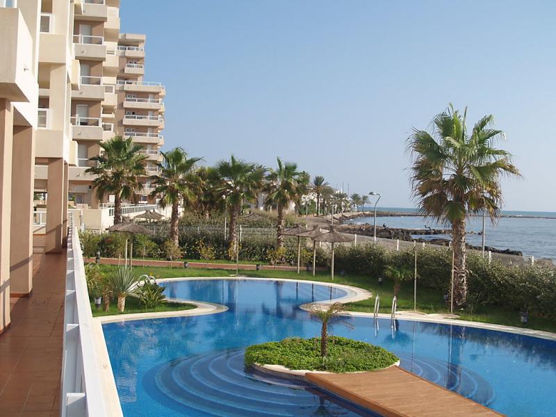 Urb punta cormorn 1436810,Apartamento en La Manga Del Mar Menor, Murcia, España  con piscina privada para 4 personas...