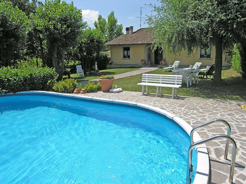 I pioppi 1437086,Villa  con piscina privada en Vicchio, en Toscana, Italia para 7 personas...