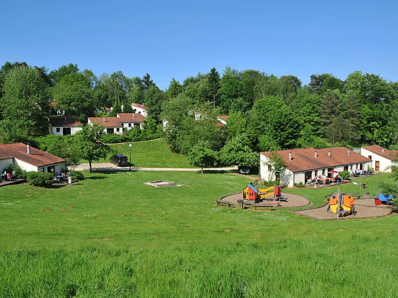 Type a 1438096,Casa de vacaciones en Virton, Luxembourg, Bélgica para 6 personas...