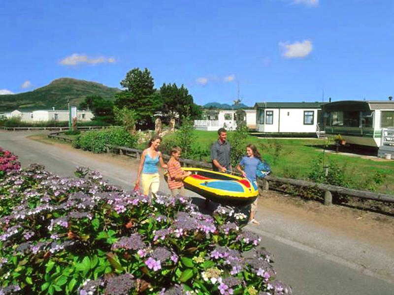 Greenacres 1439146,Vivienda de vacaciones  con piscina privada en Porthmadog, Wales, Reino Unido para 8 personas...