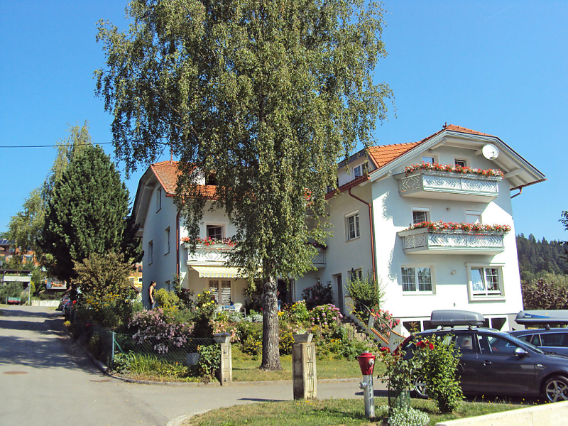 Frank 1439193,Apartamento  con piscina privada en Feldkirchen in Kärnten, Carinthia, Austria para 4 personas...
