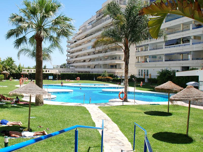 Urb las terrazas 1441417,Apartamento en Marbella, en la Costa del Sol, España  con piscina privada para 4 personas...