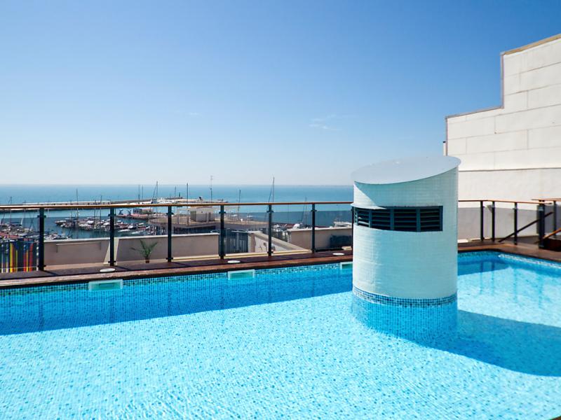 Edificio nutic 1441544,Apartamento  con piscina privada en l'Ampolla, Tarragona, España para 4 personas...