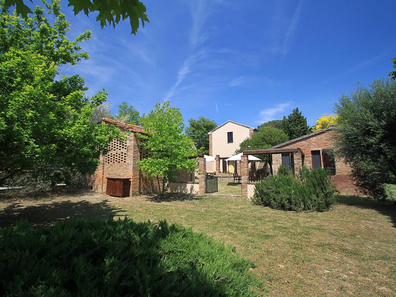 Chiesone 1441919,Villa en Chianciano Terme, en Toscana, Italia  con piscina privada para 4 personas...