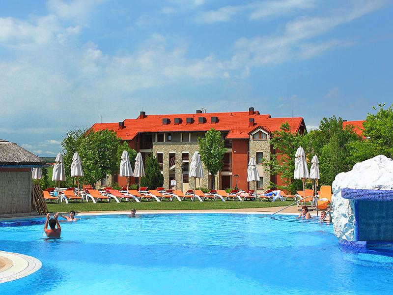 1442207,Apartamento en Buk-Thermal, Thermal, Hungría  con piscina privada para 2 personas...