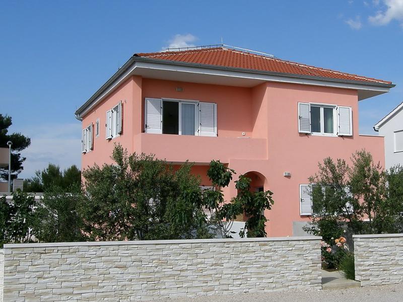1446120,Apartamento en Vodice, Dalmatia, Croacia para 4 personas...