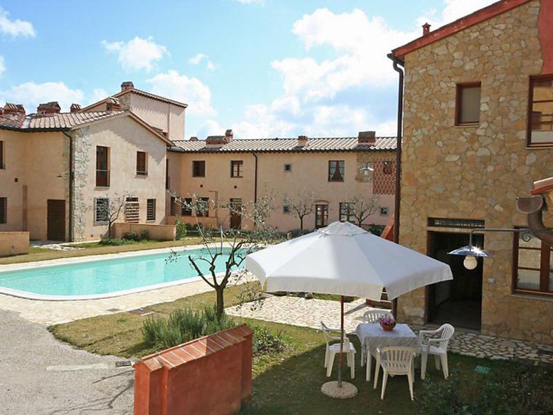 La chicca 1446139,Apartamento  con piscina privada en San Gimignano, en Toscana, Italia para 3 personas...