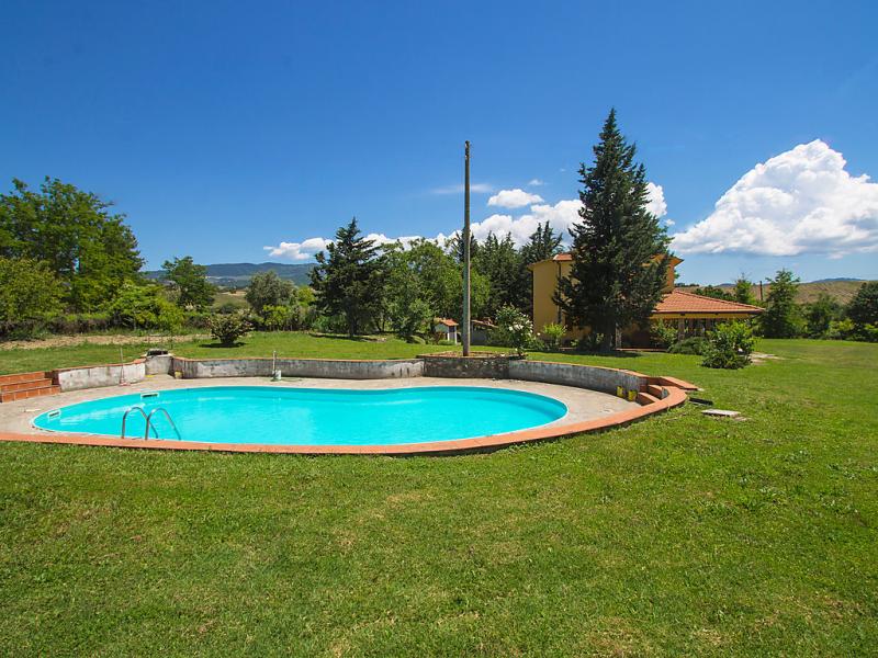 Podere san lorenzo 1447576,Villa  con piscina privada en Cinigiano, en Toscana, Italia para 8 personas...