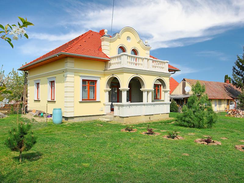 1447698,Villa in Balatonboglar-Balatonoszod, Balaton Somogy, Hongarije voor 5 personen...