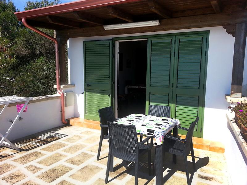 Sun  sea terrace 1447705,Apartamento en Castro, Lombardia, Italia para 4 personas...