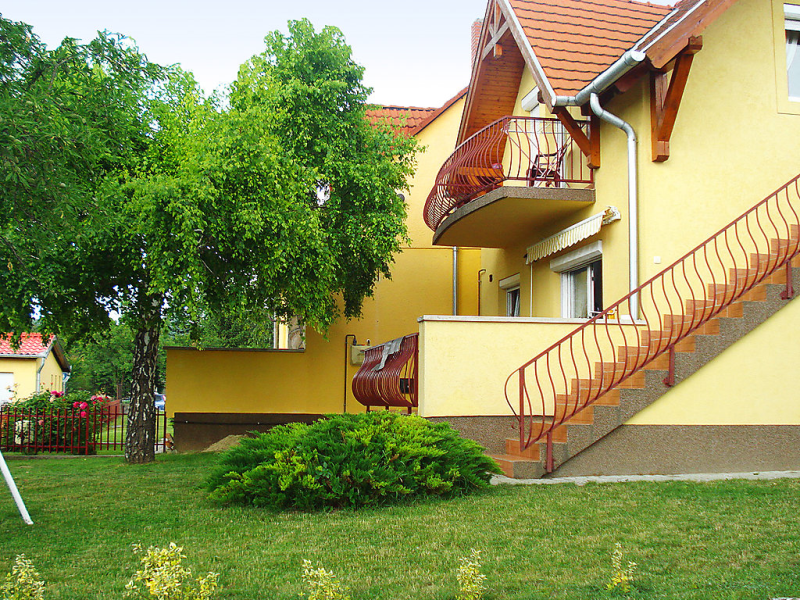 1448281, Apartment in Vonyarcvashegy, Balaton Felvidek, Hungary for 6 persons...