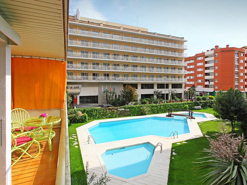 Apt las amricas 1448859,Appartement in Lloret de Mar, aan de Costa Brava, Spanje  met privé zwembad voor 3 personen...