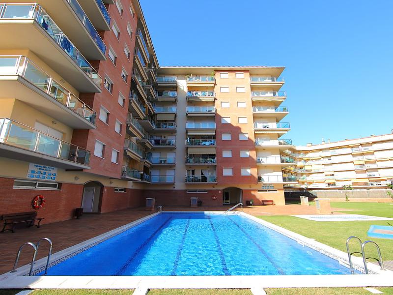 Santa susanna 1448860,Apartamento en Santa Susana, Costa del Maresme, España  con piscina privada para 5 personas...