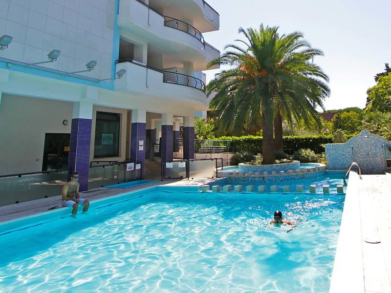 Rendez vous 1451332,Apartamento en Pineto, Abruzzo, Italia  con piscina privada para 4 personas...