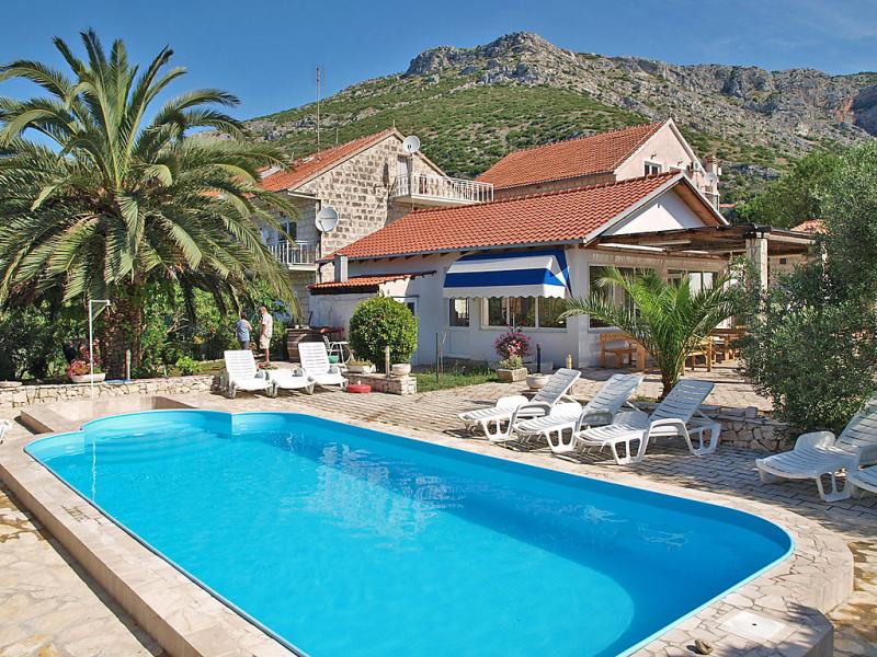 1451632,Apartamento  con piscina privada en Orebic, South Dalmatia, Croacia para 4 personas...