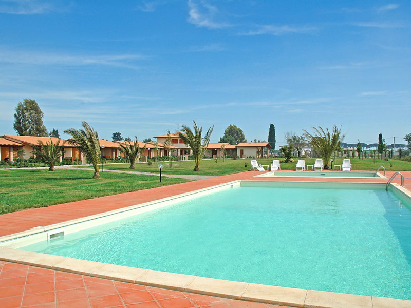 B6 1451937,Apartamento en Castiglione della Pescaia, en Toscana, Italia  con piscina privada para 4 personas...