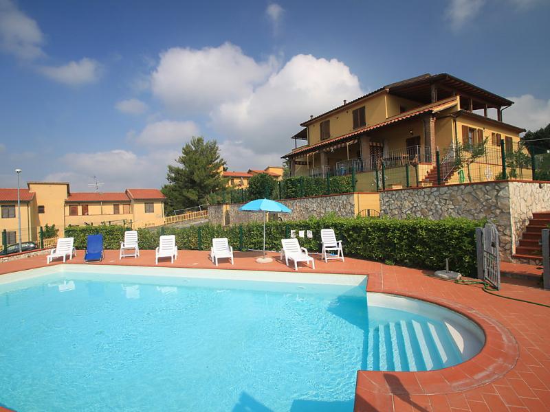 1454534,Apartamento en Riparbella, en Toscana, Italia  con piscina privada para 6 personas...