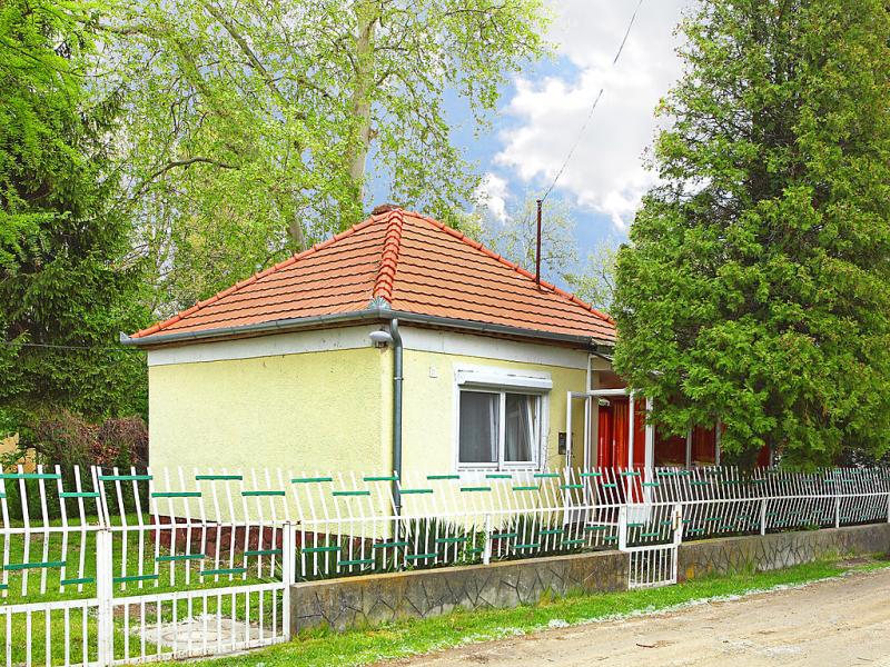 1456530,Villa en Balatonfenyves, Balaton, Hungría para 4 personas...