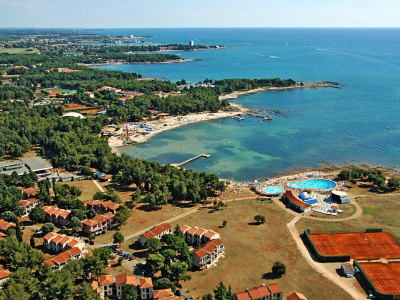 Katoro 1457680,Apartamento en Umag, Kroatie, Croacia  con piscina privada para 3 personas...
