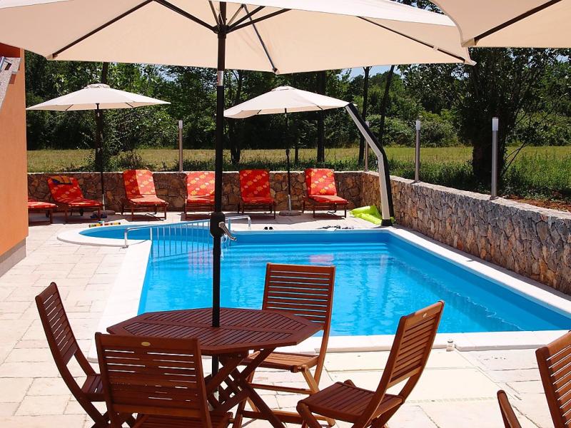 1458275,Apartamento  con piscina privada en Šilo (Eiland Krk), Kvarner Islands, Croacia para 4 personas...