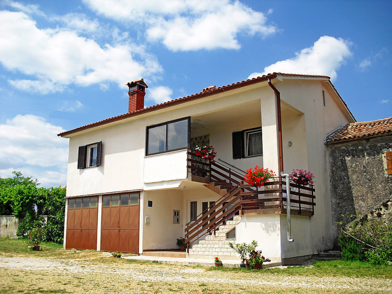 1458600,Appartement in Pićan, Istria, Kroatië voor 5 personen...