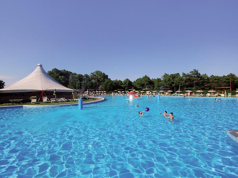 Borsetti 1459288,Vivienda de vacaciones  con piscina privada en Casal Borsetti, Emilia-Romagna, Italia para 6 personas...