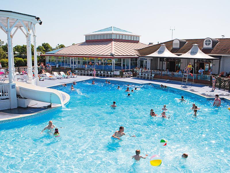 The orchards 1460103,Vivienda de vacaciones en Clacton-on-Sea, East, Reino Unido  con piscina privada para 4 personas...