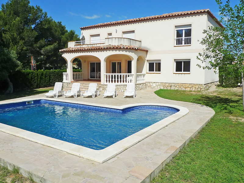 Casa martin 1460549,Villa en L'Ametlla de Mar, Catalunya, España  con piscina privada para 17 personas...