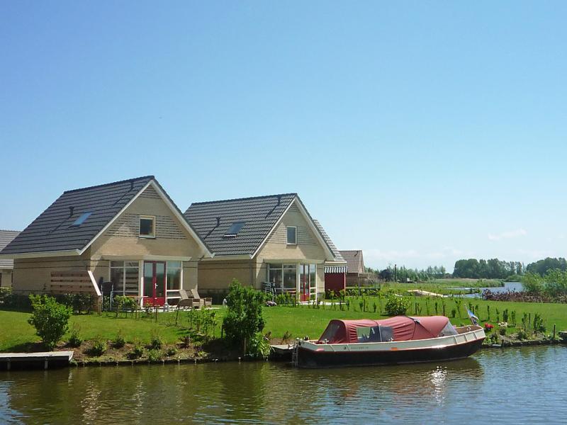Comfort plus 1461247,Vivienda de vacaciones en Medemblik, Noord-Holland, Holanda  con piscina privada para 6 personas...