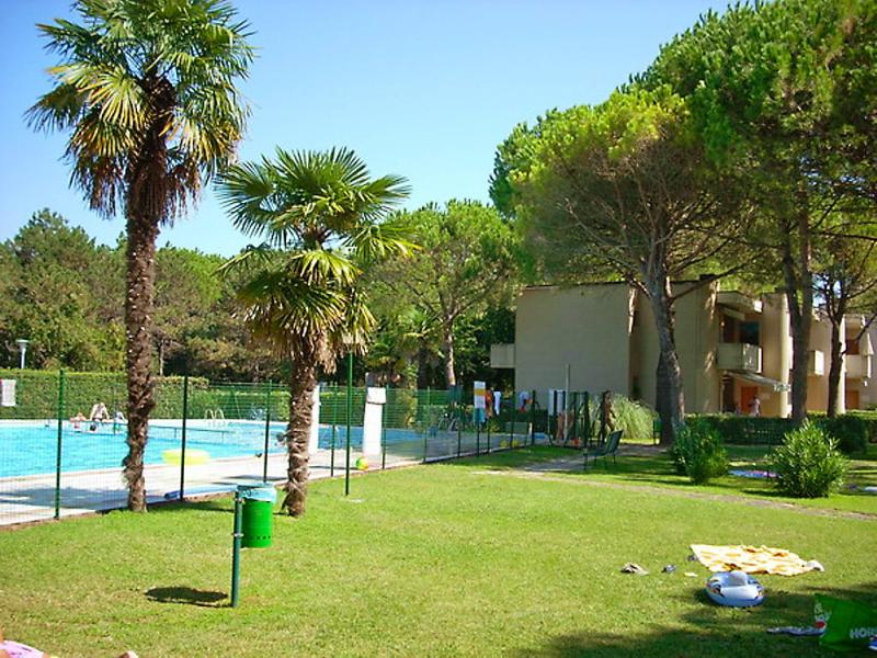 White star 1461786,Apartamento en Bibione, Veneto, Italia  con piscina privada para 6 personas...