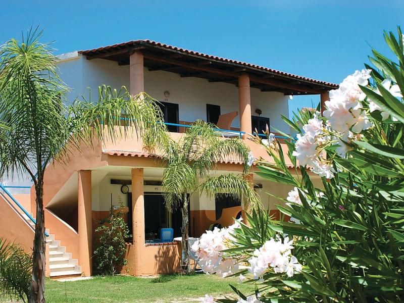 Esmeraldo 1461906,Apartamento en Capo Vaticano, Calabria, Italia  con piscina privada para 4 personas...