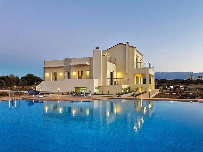 Cretan view 1462335,Apartamento en Chania, Crete, Grecia  con piscina privada para 4 personas...