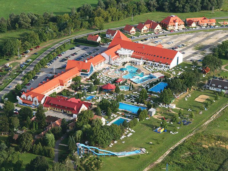 1462869,Vivienda de vacaciones  con piscina privada en Kehidakustány, Transdanubie, Hungría para 7 personas...