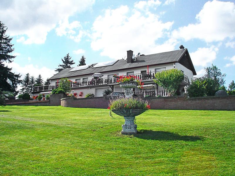 Wlwerwolz 1463630,Apartamento en Wilwerwiltz, Luxembourg, Luxemburgo para 5 personas...
