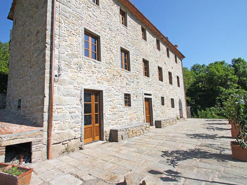 Il vecchio ospitale 1463895,Villa en Pescia, en Toscana, Italia  con piscina privada para 7 personas...