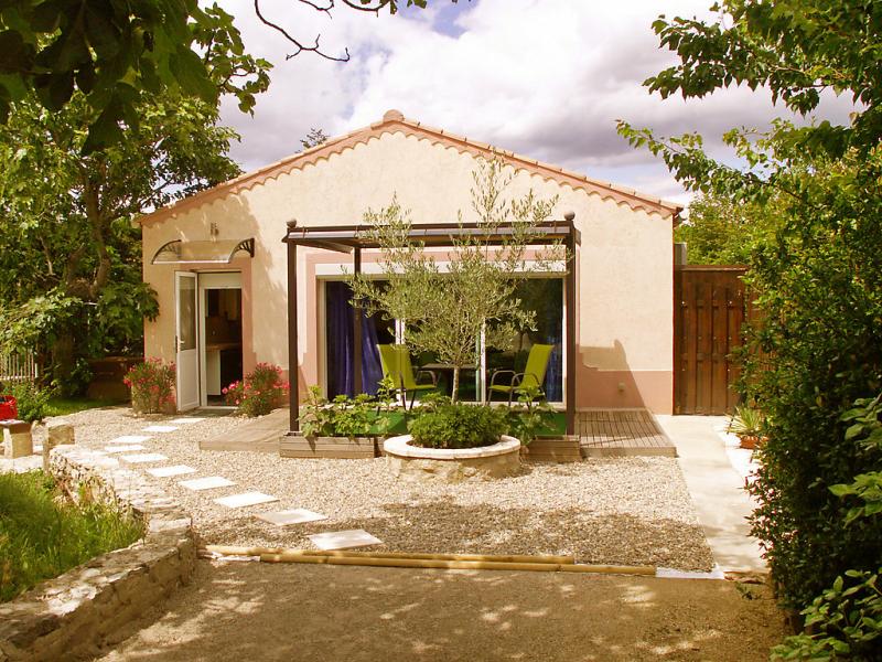 Haider 1466454,Apartamento  con piscina privada en L'isle Sur La Sorgue, Provence-Alpes-Côte d'Azur, Francia para 2 personas...