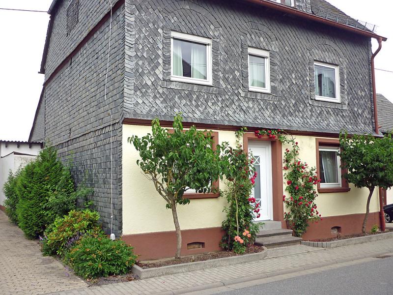 Haus irmgard 1467767,Vivienda de vacaciones en Blankenrath, Hunsrück, Alemania para 6 personas...