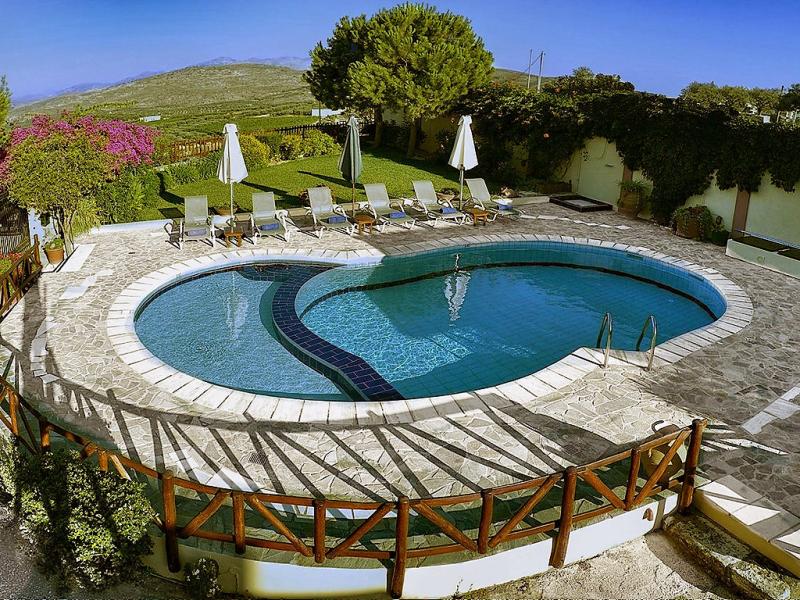 Agapi villa 1469000,Vivienda de vacaciones  con piscina privada en Heraklion, Crete, Grecia para 6 personas...