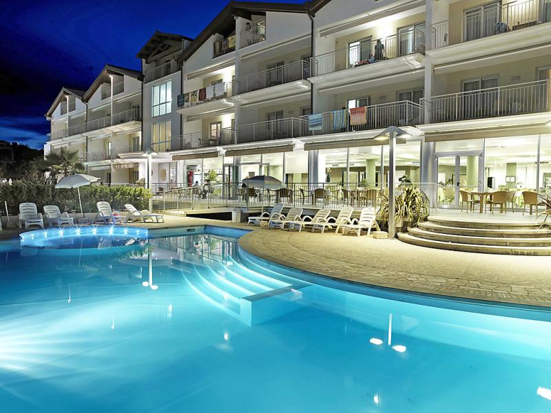 Casa del mar 1471194,Apartamento  con piscina privada en Roseto degli Abruzzi, Abruzzo, Italia para 4 personas...