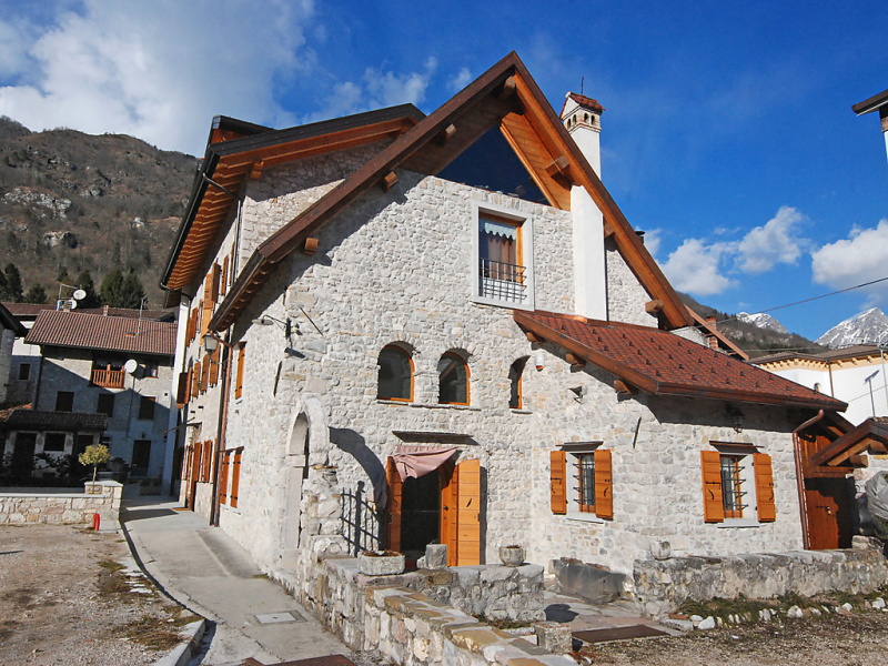 Albergo diffuso  cjasa ustin 1471306,Apartamento en Lago di Barcis, Dolomites, Italia para 5 personas...