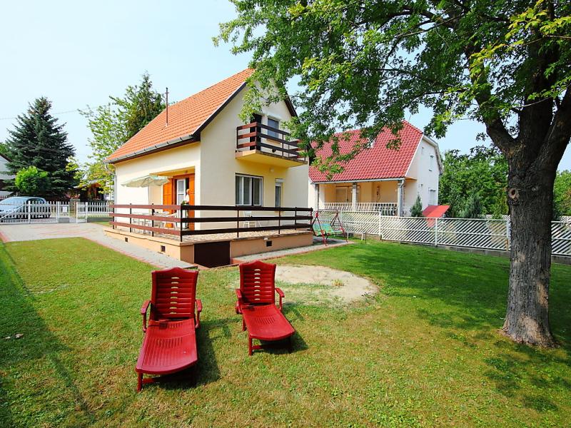 1472198,Villa en Balatonfoldvar-Balatonszarszo, Balaton Somogy, Hungría para 5 personas...