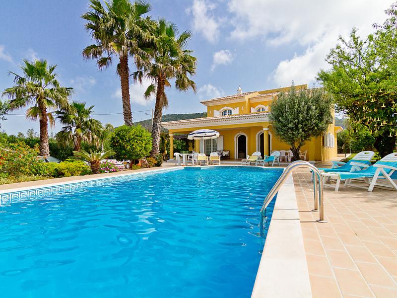 Villa monte da torre 1472283,Vivienda de vacaciones  con piscina privada en Loulé, en la Algarve, Portugal para 8 personas...