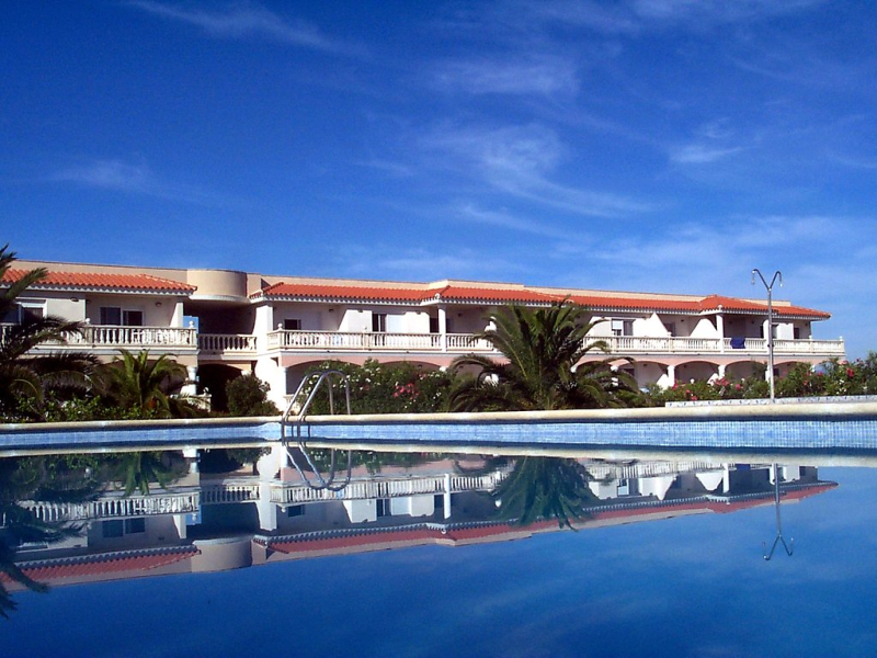 Royal delta 1472476,Apartamento  con piscina privada en Deltebre, Catalunya, España para 3 personas...