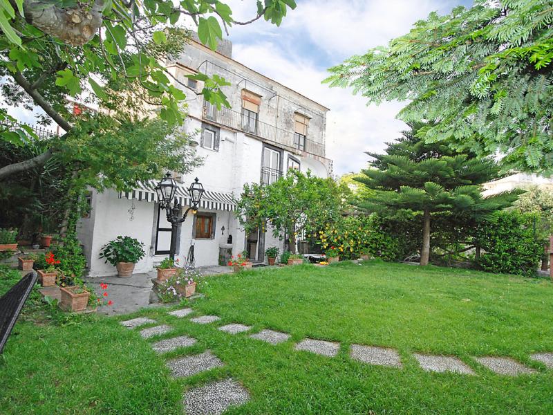 Jenny 1479614,Villa en Massa Lubrense, Campania, Italia  con piscina privada para 4 personas...